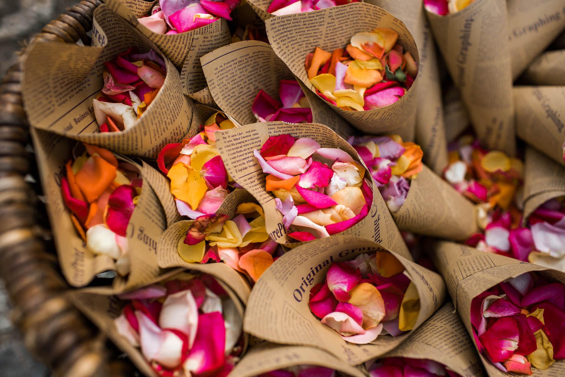 Rosenblätter Hochzeit